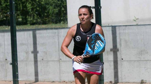Padel La Bahiense Paula Eyheraguibel Seguira Jugando En El Maximo Nivel